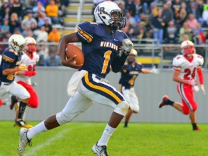 Apollo-Ridge's Tre Tipton runs 67 yards for a quick score against Kittanning in Week 3.